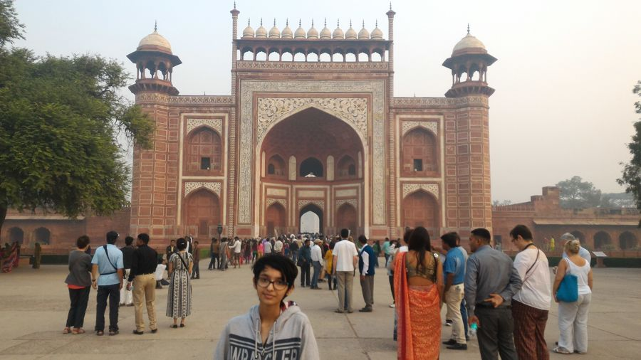 The Great gate (Darwaza-i rauza) - Gateway to the Taj Mahal