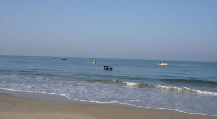 The blue waters of Baga beach